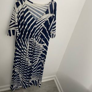 Dresses & Skirts - Stripped Maxi Dress (Plus Sized)